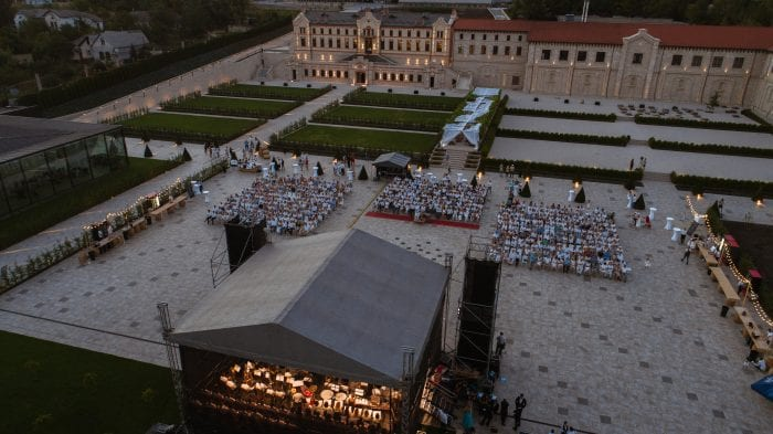 Outdoor concert_Top Moldovan winery with tours, hotel, restaurant and event venues